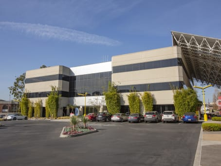 建筑位于Los Angeles12777 W. Jefferson Blvd., Building D, Suite 300, Playa Vista 1