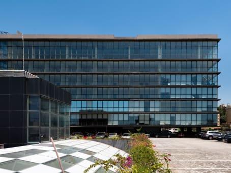 建筑位于DbayehNorthern Metn, 7th. Floor, Le Mall Building 1