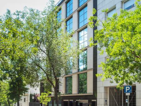建筑位于MadridCalle del Pinar 5 1