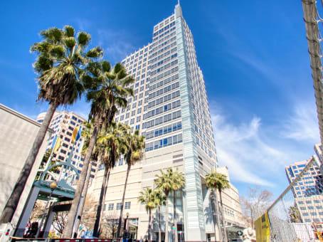 建筑位于SacramentoEsquire Plaza, 1215 K Street, 17th Floor 1