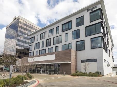 建筑位于Fort Worth1751 River Run, Suite 200 1