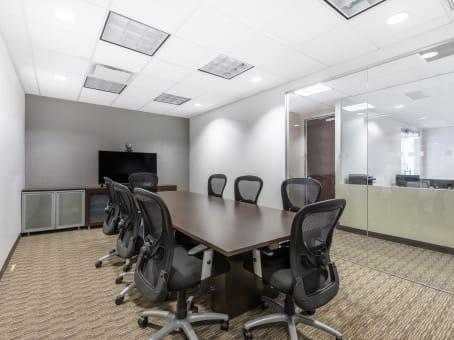 建筑位于New York118-35 Queens Boulevard, Forest Hills Tower, Suite 400, Forest Hills 1