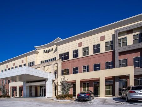 Établissement situé à 200 NE Missouri Road, Suite 200 à Lee's Summit 1