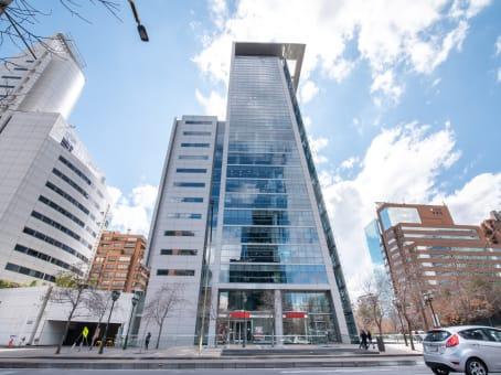 Gebäude in Ave. El Golf 40, 12th Floor, Comuna Las Condes in Santiago 1