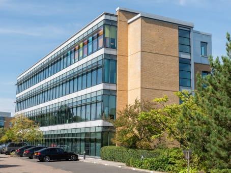建筑位于ManchesterManchester Business Park, 3000 Aviator Way 1