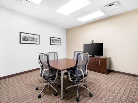 建筑位于Fredericksburg1320 Central Park Blvd., Suite 200 1