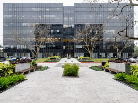 Building at 6575 West Loop South, Suite 500 in Bellaire 1