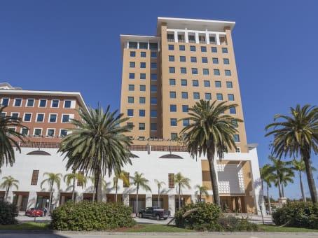 建筑位于Coral Gables1 Alhambra Plaza, Columbus Center, Floor PH 1