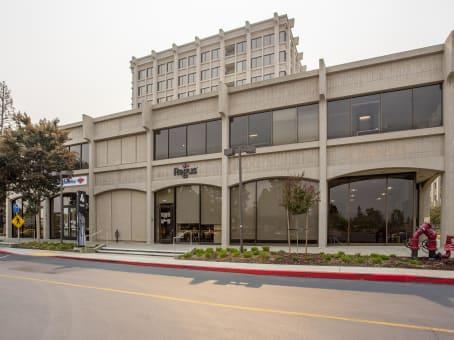 建筑位于Palo Alto3000 El Camino Real, Building 4, Suite 200 1