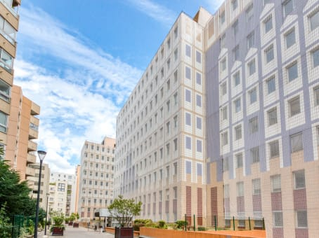 Building at 6 Rue Auguste Comte in Vanves 1