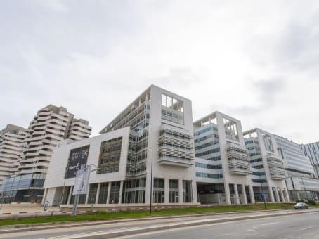 建筑位于CasablancaCrystal Building 1, 10th Floor, Almohades Avenue 1