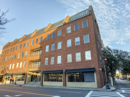 建筑位于Charleston170 Meeting Street, Suite 110 1