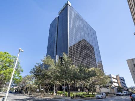 Gebäude in 700 North St Mary's Street, Downtown, Suite 1400 in San Antonio 1