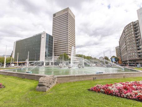 建筑位于RotterdamHofplein 20 1