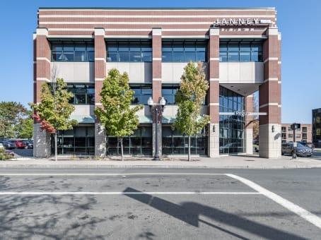 建筑位于West Hartford15 North Main Street, Suite 100 1