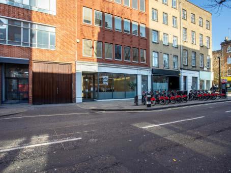 建筑位于London48 Charlotte Street 1