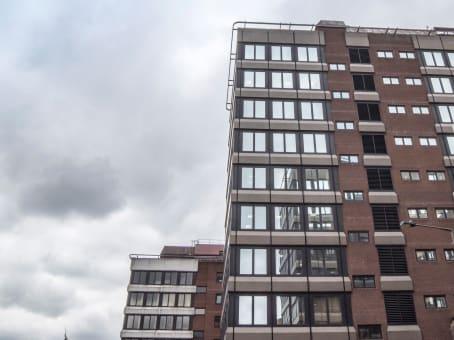 建筑位于Bromley26 Elmfield Road, South Tower 1