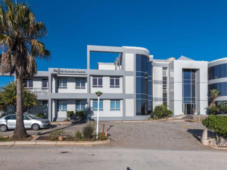 建筑位于Port ElizabethHarbour View Building, Oakworth Road, 1st Floor, Humewood 1