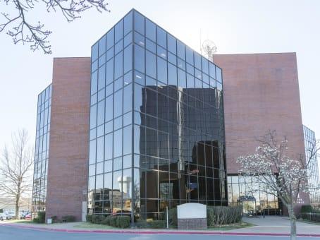 建筑位于Tulsa7136 South Yale Avenue, Southridge Estate, Suite 300 1