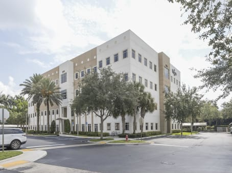 建筑位于West Palm Beach2054 Vista Parkway, Emerald View, Suite 400 1
