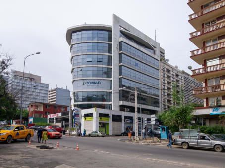 建筑位于AbidjanCorner of Dr. Crozet Street and Boulevard de la Republique, XL Building, 6th and 7th Floors, Plateau 1