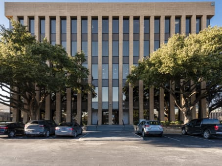 Building at 7600 Chevy Chase Drive, Suite 300 in Austin 1
