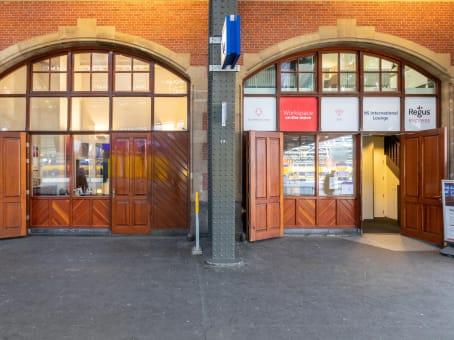 Lokalizacja budynku: ulica Stationsplein 19-W, Perron 2- A, Amsterdam 1