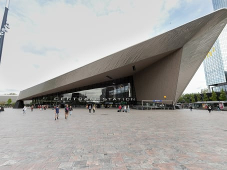 建筑位于RotterdamStationsplein 18 - A, Perron 2 1