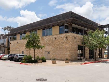 建筑位于Bee Cave12600 Hill Country Boulevard, Suite R-275 1