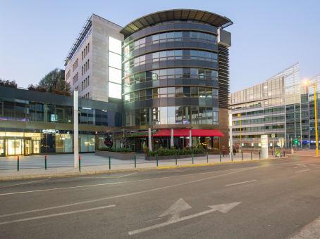 建筑位于BudapestMOM Park Irodaház, A épület. 6. em. Alkotás út 53 1