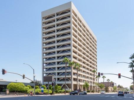 建筑位于Sherman Oaks15233 Ventura Blvd., Suite 500 1