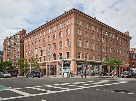 Établissement situé à 361 Newbury Street, 3rd, 4th and 5th Floor à Boston 1
