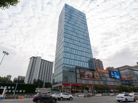 建筑位于武汉市珞瑜路10号, 群光中心22层, 江岸区 1