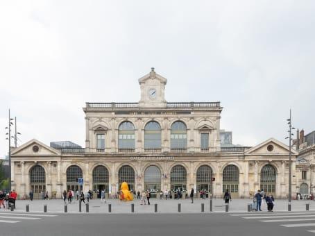 建筑位于LilleGare de Lille Flandres, Accès depuis le Hall principal, Place de la Gare 1