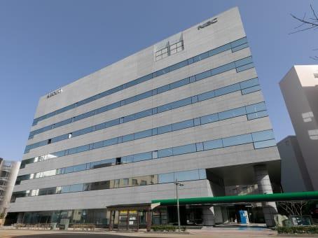 建筑位于Kanazawa1-2-1 Hikosomachi, 1F/3F Assorti Kanazawa Hikosomachi 1