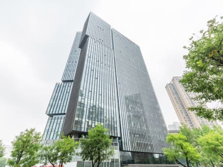 建筑位于西安市凤城九路和未央路十字东北角, IEC经开万科中心4楼 1
