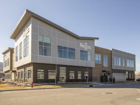 Building at 13894 S. Bangerter Parkway, Suite 200 in Draper 1