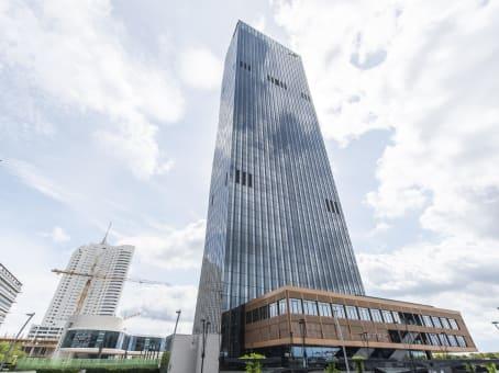 建筑位于ViennaDC Tower Donau-City-Straße 7, 30. Etage 1