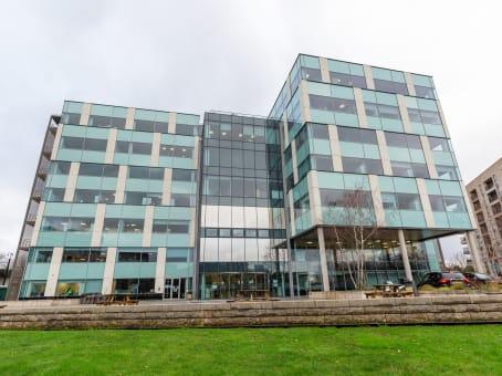 建筑位于London2 Lakeside Drive, First Central 200, 6th Floor, Park Royal 1