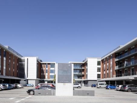 建筑位于Cape TownNo 1 Bridgeway Road, Bridgeways Precinct, Century City 1