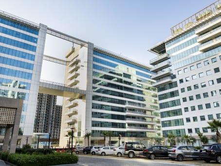 建筑位于NoidaAssotech Business Cresterra, Plot No.22, Upper Ground Floor, Tower 2, Sector 135 1
