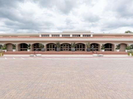 建筑位于Calabasas4500 Park Granada Boulevard, Suite 202 1
