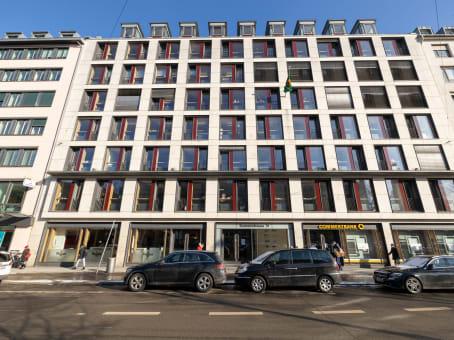 Prédio em Sonnenstrasse 31, ground floor + 3rd floor + 5th floor em Munich 1