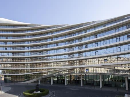 建筑位于BakuBaku White City Business Centre, 5th floor 1