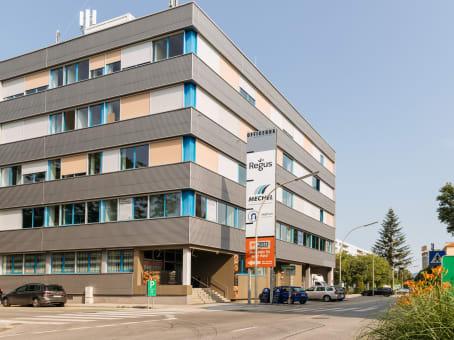建筑位于GrazWaagner-Biro-Strasse 47, 1st, 2nd and 4th Floors 1
