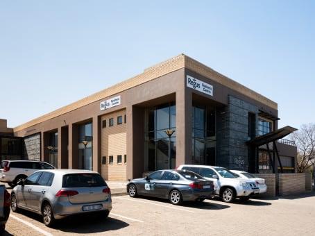 建筑位于BloemfonteinUni Park Building, Nobel street, Brandwag, Free State 1