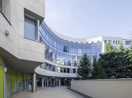 建筑位于BudapestNorthside Business Centres, 2nd and 4th floor, BC91 Office building Váci út 91 1
