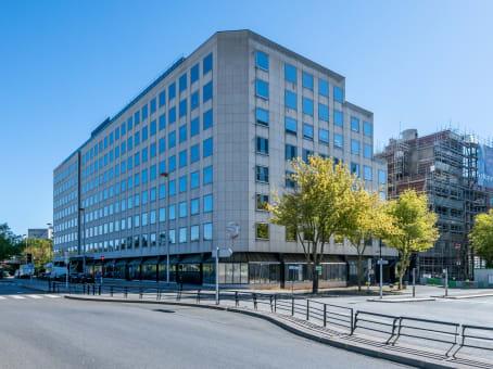 建筑位于Montigny-le-Bretonneux1 Rue Georges Stephenson 1