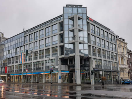 Building at Bismarckstrasse 100, 3rd and 4th floor in Moenchengladbach 1