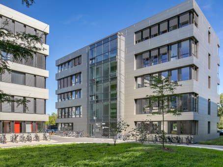建筑位于BremenKarl-Ferdinand-Braun-Straße 5, Ground Floor, 1st, 2nd, 3rd and 4th Floor 1